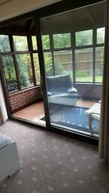 Large double room with own sitting room in a spacious house 200 metres from Ilkeston market place