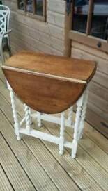 Small oak gate-leg table