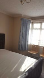 Rooms next to Heathrow Airport