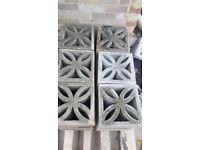 30 Decorative concrete block bricks in very good condition