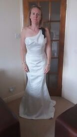 Ivory fishtail one shoulder fitted wedding dress Size 10