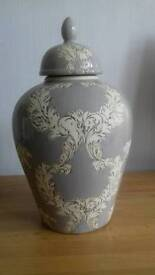 Ceramic grey colour vase with and cream patterns excellent condition