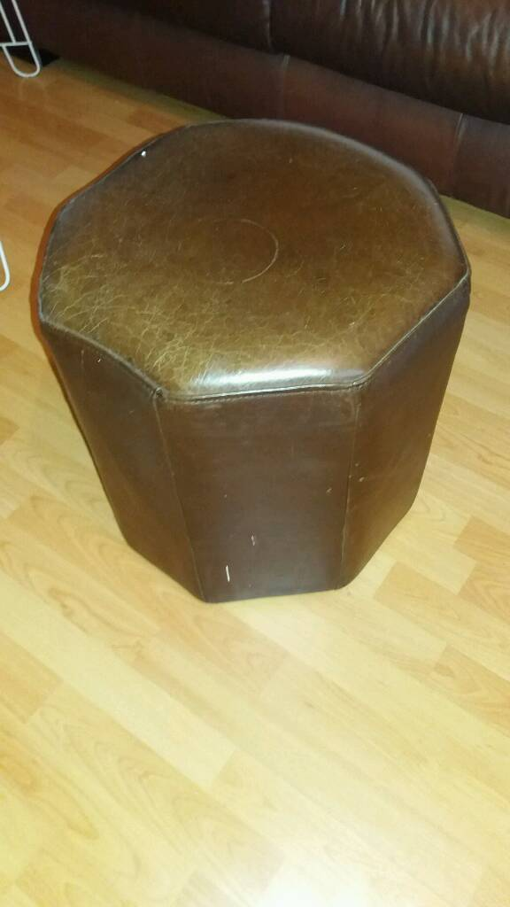 Selling a stool, painting, 2 glass tables, a leather desk chair, 4 leather seats. All things 35in Redbridge, LondonGumtree - Selling a stool, painting, 2 glass tables, a leather desk chair, 4 leather seats. All things 35 £!!!