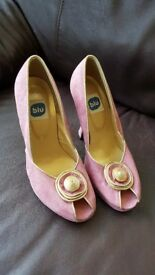 Pink suade shoes size 6