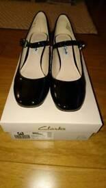 Ladies Shoes. Size 4.5, Clarks