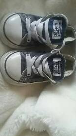 Converse boys trainers infant size 7