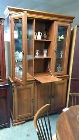 Light wood wall unit with drinks cabinet
