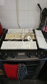 4 x apple keyboards 2 x wired mice