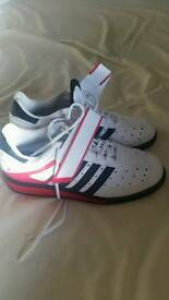Size 9 Adidas Power Perfect 2
