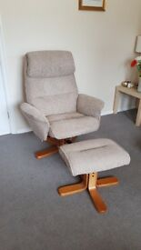 2 Relaxer Chairs 14 months old excellent condition