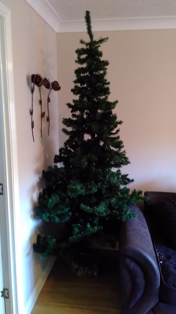 Good Quality Artificial Christmas Tree 7ft - Good Home Wanted - COLLECT HX1
