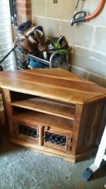 Tv oak corner unit