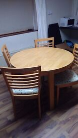 Modern Circular kitchen Table & 4 chairs