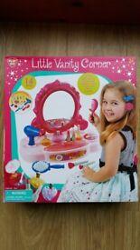 PlayGo Little Vanity Corner / Girls Beauty Station **BRAND NEW**