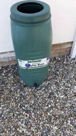 Water butt 100 litres with tap good condition