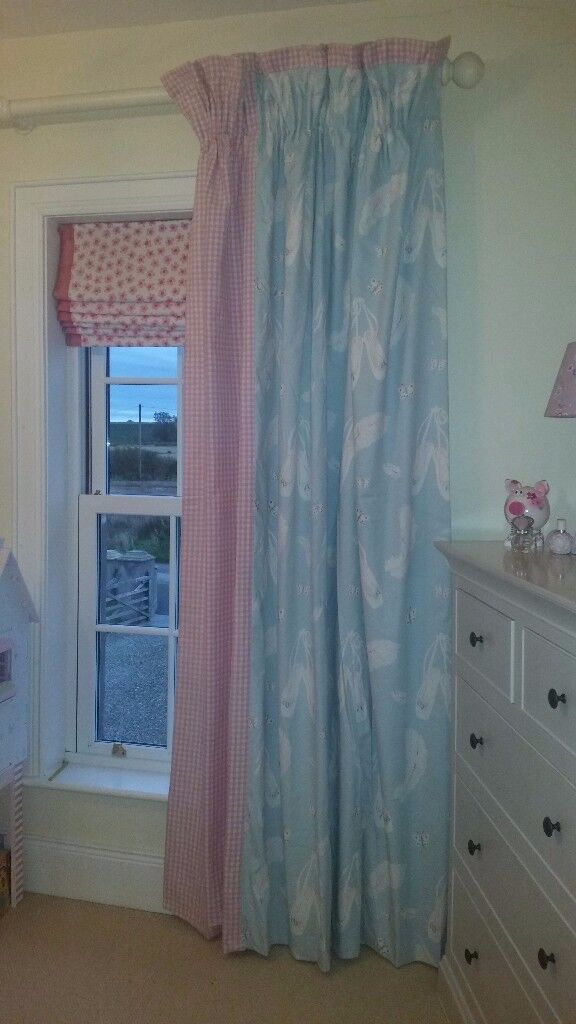 Girls ballet-shoe bedroom curtains - Pink and Blue