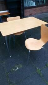 Dinning table and two chairs retro