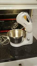 Breville white mixer with stainless steel mixing bowl