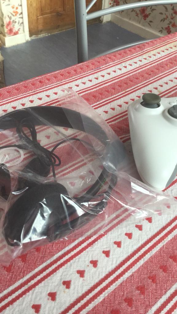 Xbox 360 battery wireless remote control in white