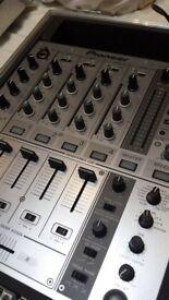 Mint Condition Pioneer DJM 700 DJ Mixer with Swann flight case - Similar to Allen & Heath's Xone