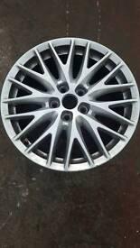 Focus alloy wheel