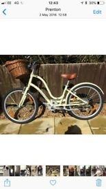 Cream towny ladies bike