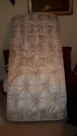 3ft single mattress hardly used