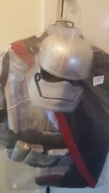 Star wars dress up outfit brand new