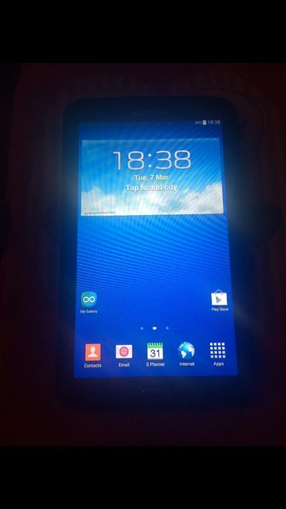 """Samsung tablet 3 7in Rubery, West MidlandsGumtree - Samsung galaxy tab3 7"""" full working order can be seen working. Great condition with a few tiny scratches on the back. £50"""
