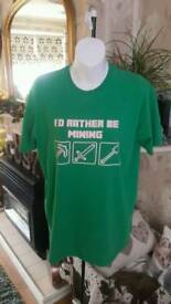 Minecraft t-shirt size m