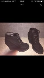 Boots wedge size 3