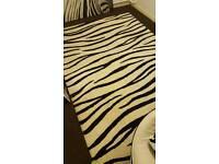 180cm x 270cm Zebra Rug (100% wool)