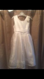 Children's Bridesmade dresses/flower girl dresses in ivory x3 excellent condition