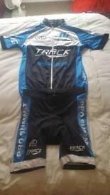 Cycling top and shorts xl