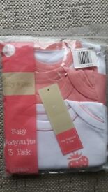 0-3 months vests bnwt girls