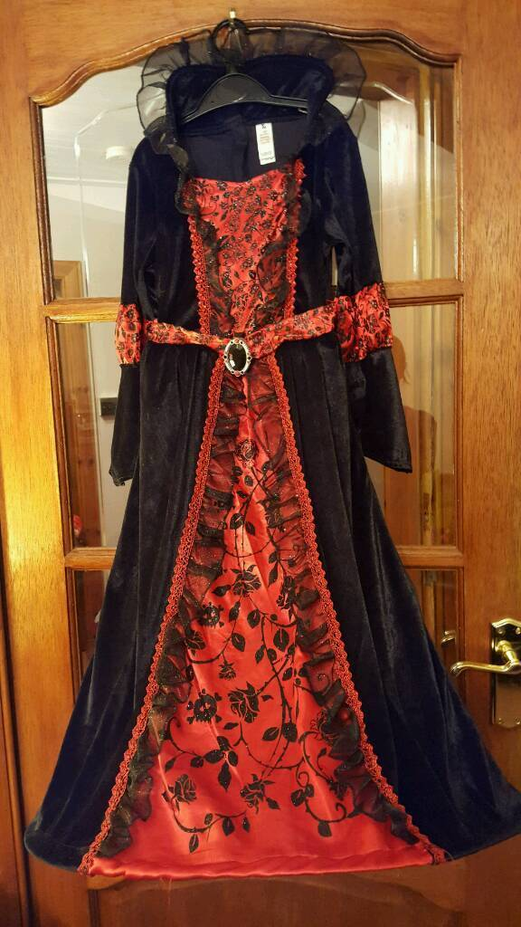 Girls Vampire Costume age 7-8