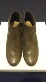 CLARKS Dark brown leather ankle boots UK 5.5 - FREE shipping
