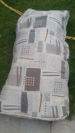 Cushion cover set.