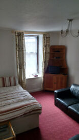 FULLY FURNISHED GROUND FLOOR STUDIO FLAT 345pcm