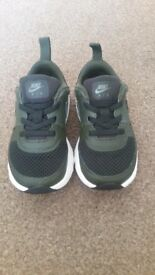 Kids Nike Air Max trainers size 8.5