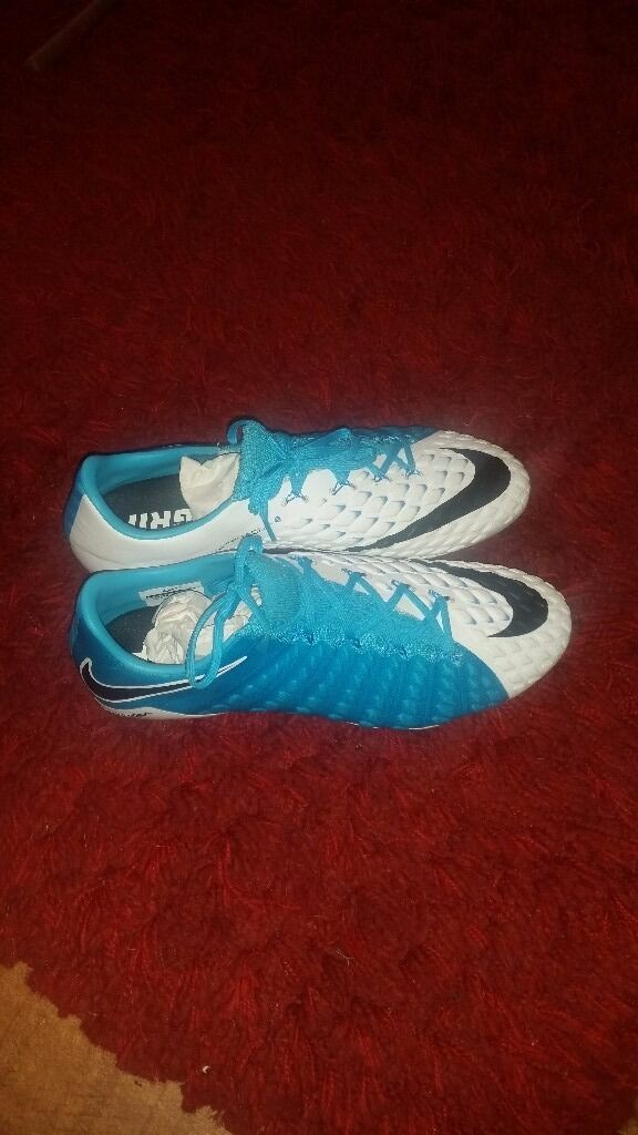 Nike Hypervenom Phantom 111 SGPROin Walsall, West MidlandsGumtree - Size 9 hypervenom 111 SGPRO Nike football boots.These boots are brand new in box with bag and spare set of studs...Bargain
