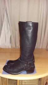 Clarks leather biker boots size 7 1/2 as new with label on. Worn a couple of times.
