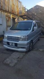 Nissan Elgrand - Highway star Caravan 4x4, 3.2l 8 seater