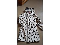 Girls hooded dressing gown age 6-7