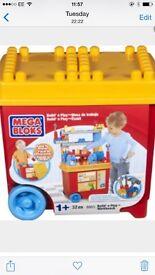Mega bloks build and play
