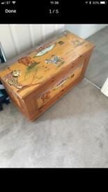 BESPOKE HAND PAINTED SAFARI THEME TOY BOX