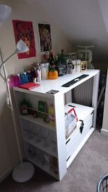 Home bar/breakfast bar with accessories