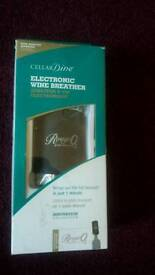 Electronic wine breather