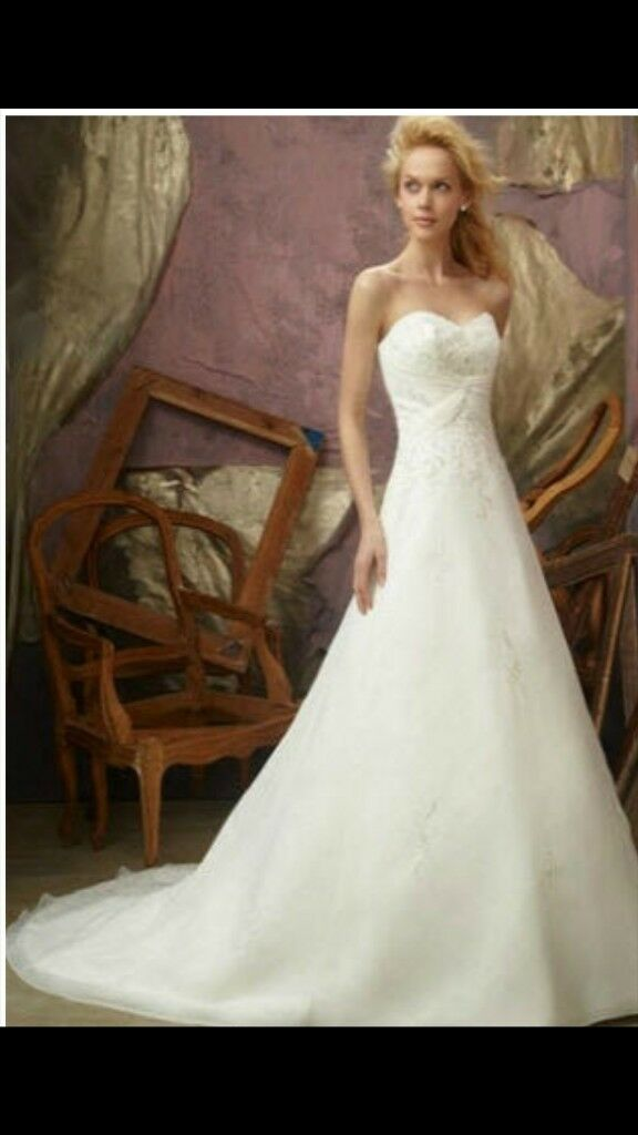 Delicate Morilee wedding dress size 12 professionally cleaned and ...