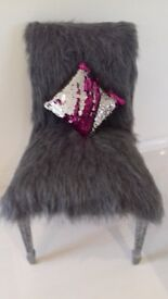 FUNKY GREY FAUX FUR STATEMENT CHAIR